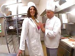 El Beur camarera follando con el cocinero en su restaurante! f
