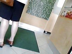 Spy grannys pantyhosed piernas