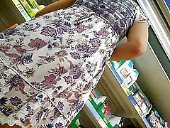 Bajo la falda, upskirt, panty negro, parte 2