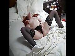 Adolescente con pelirroja había pillada masturbándose.