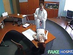 Fakehospital habilidades sexuales de petite pelirrojas hace doctor cum