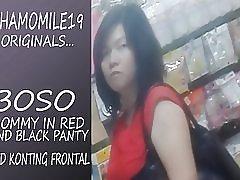 Mamá de Boso en panty vestido rojo negro